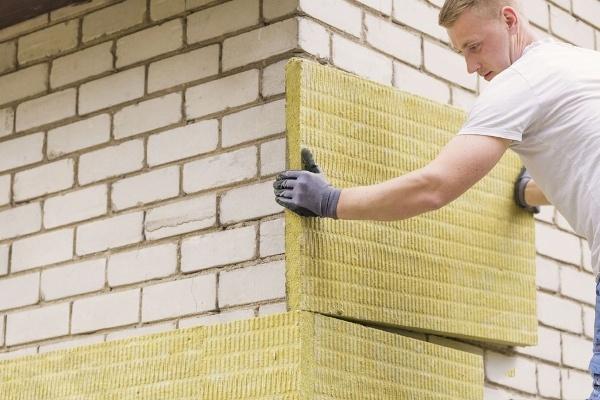Чем утеплить стены дома